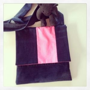 jean bleu rose fluo 1