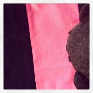 jean bleu rose fluo 3